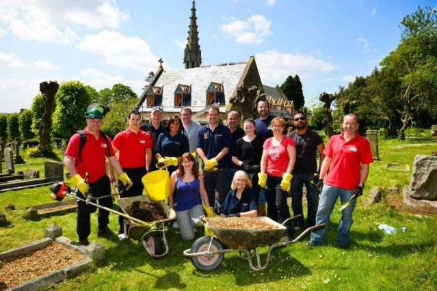 Kier Living Eastern team help with cemetery clean-up