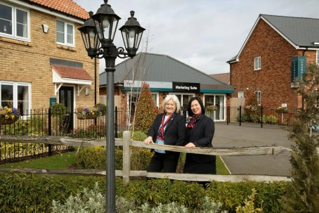 Mum and daughter are the dream sales  team at Kier Living's Meadow Croft